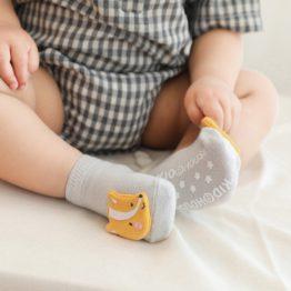 Meia infantil animais fofinhos com antiderrapante